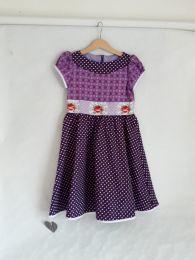 Kinderkleid handgenäht Grösse 128 (8 Jahre)