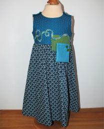 Kinderkleid handgenäht Grösse 116 (6 Jahre)
