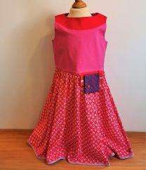 Kinderkleid handgenäht Grösse 140 (10 Jahre)